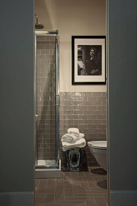 La Callas vi ascolta. Prima di fare la doccia controllate l'intonazione.